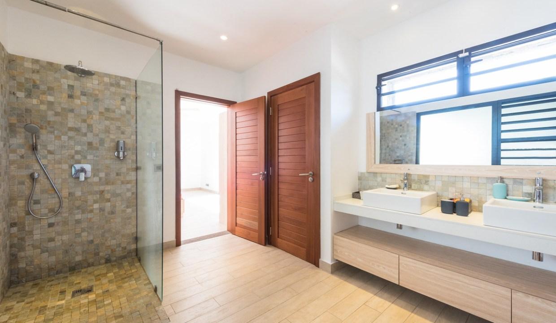 villa de 6 chambres à vendre12