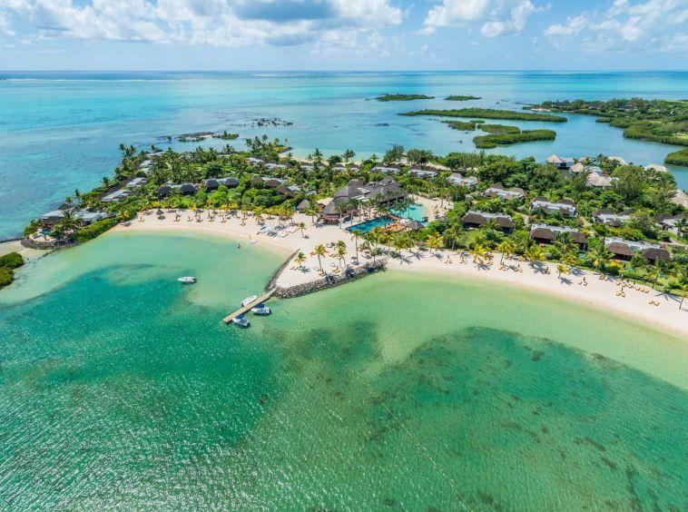 sur un terrain en pleine propriété. Anahita Mauritius||villa de luxe