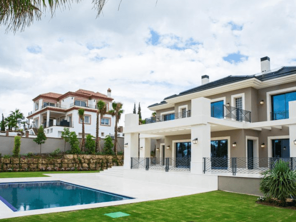 VILLA CONTEMPORAINE À VENDRE À LOS FLAMINGOS GOLF, BENAHAVIS