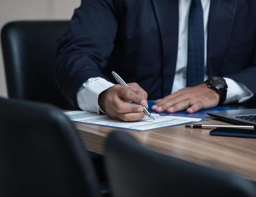 Se faire accompagner par un avocat pour l'achat d'un bien immobilier: pourquoi faire?