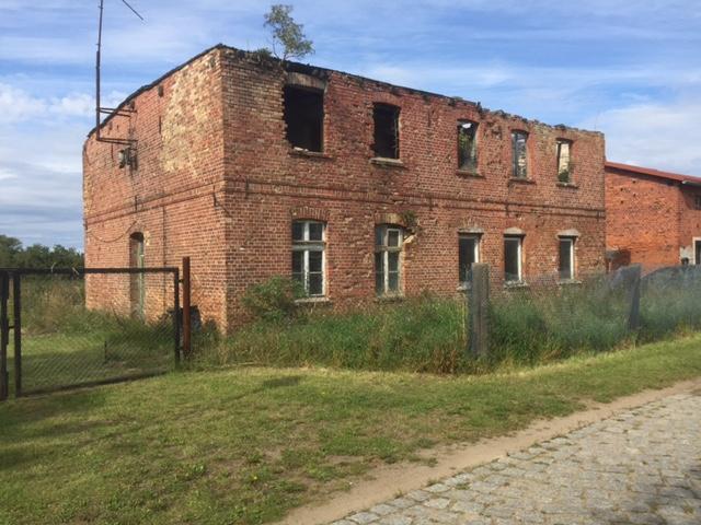 Frontansicht Schnitterkaserne - Baugrundstück in Brandenburg-Rathstock - IMMOFIX Berlin®
