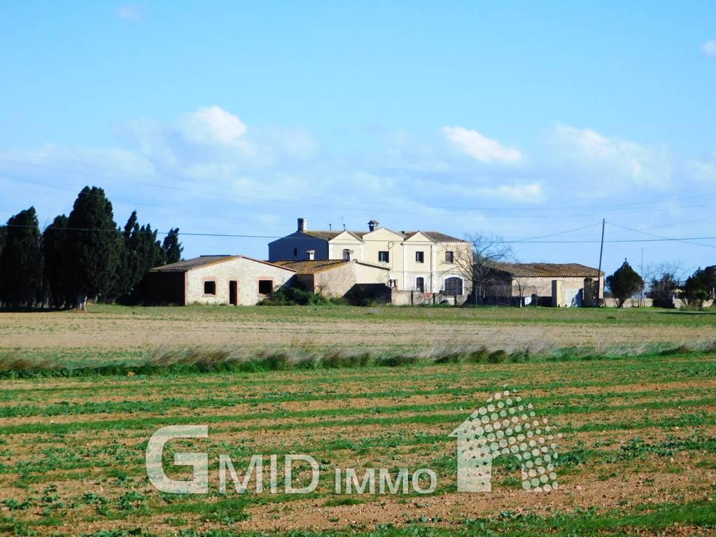 En venta casa rustica con gran terreno situada cerca de
