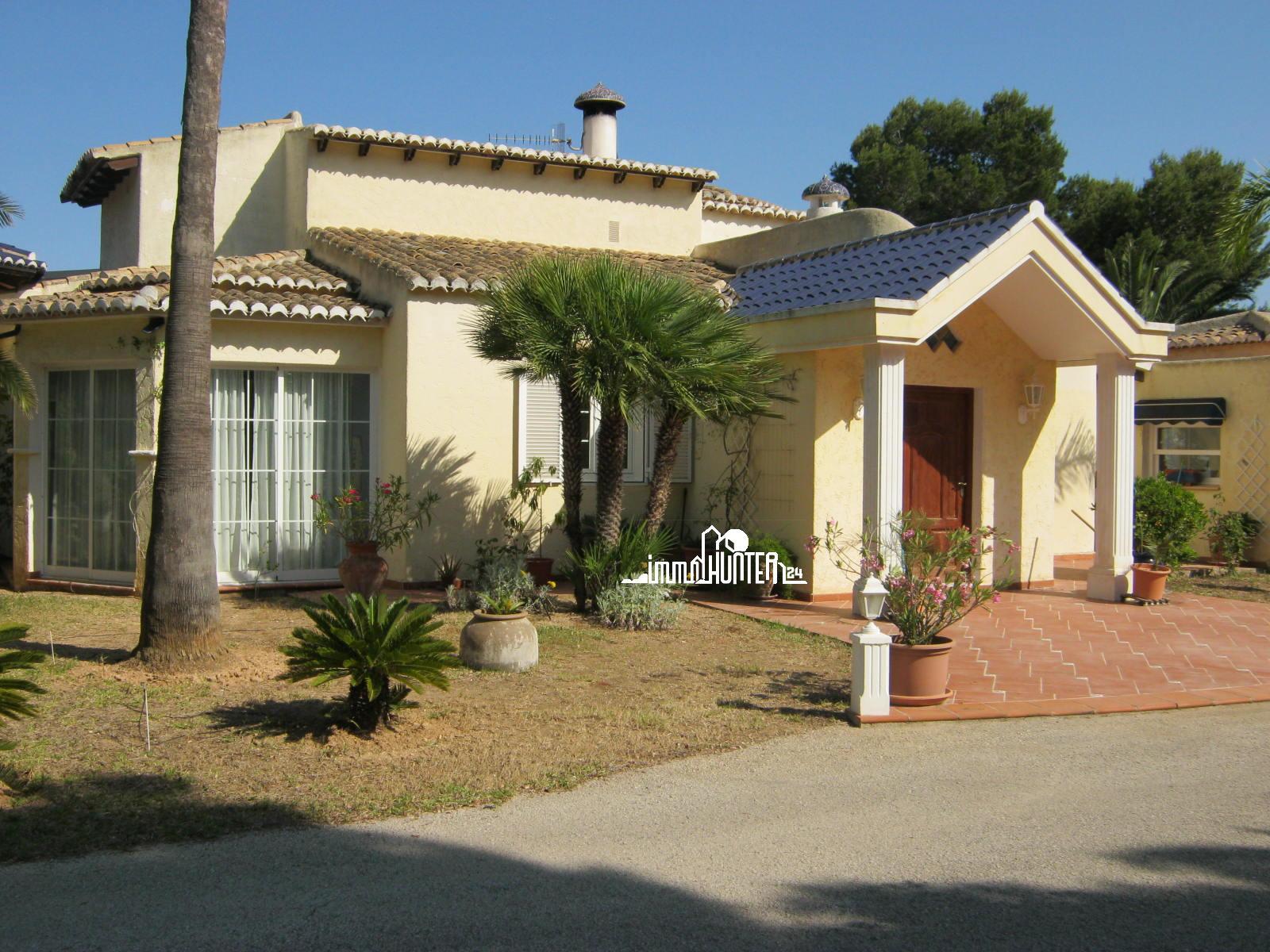 Magnifica Villa con amplio terreno en Moraira | 320 m²