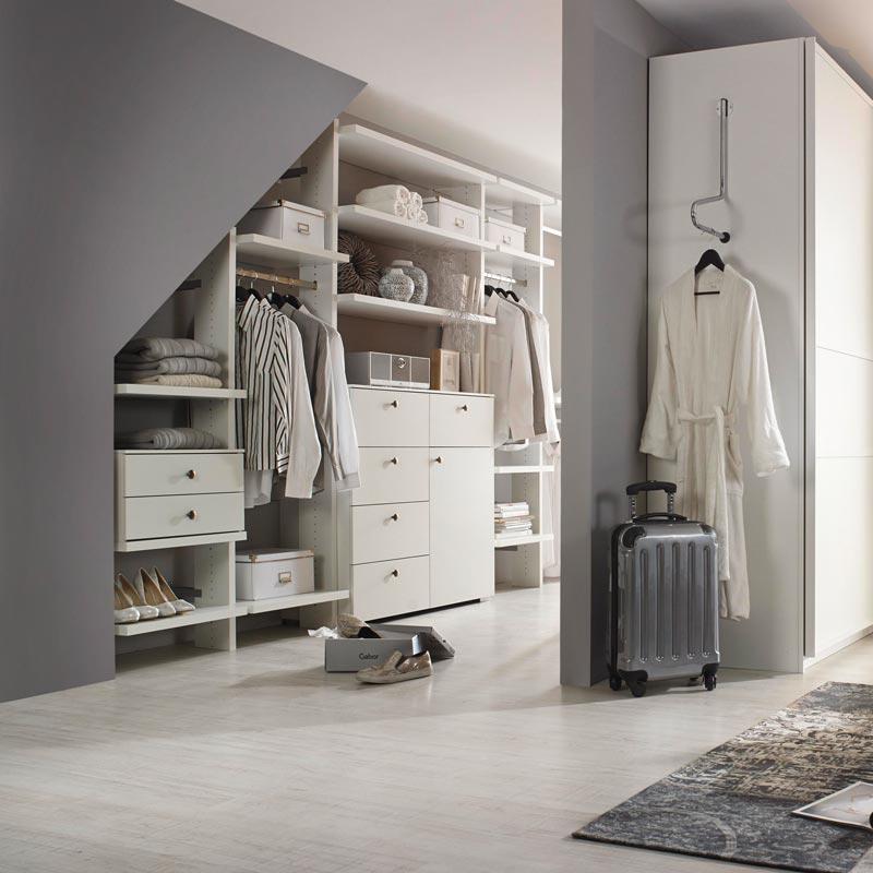 Ordnung mit System  der begehbare Kleiderschrank