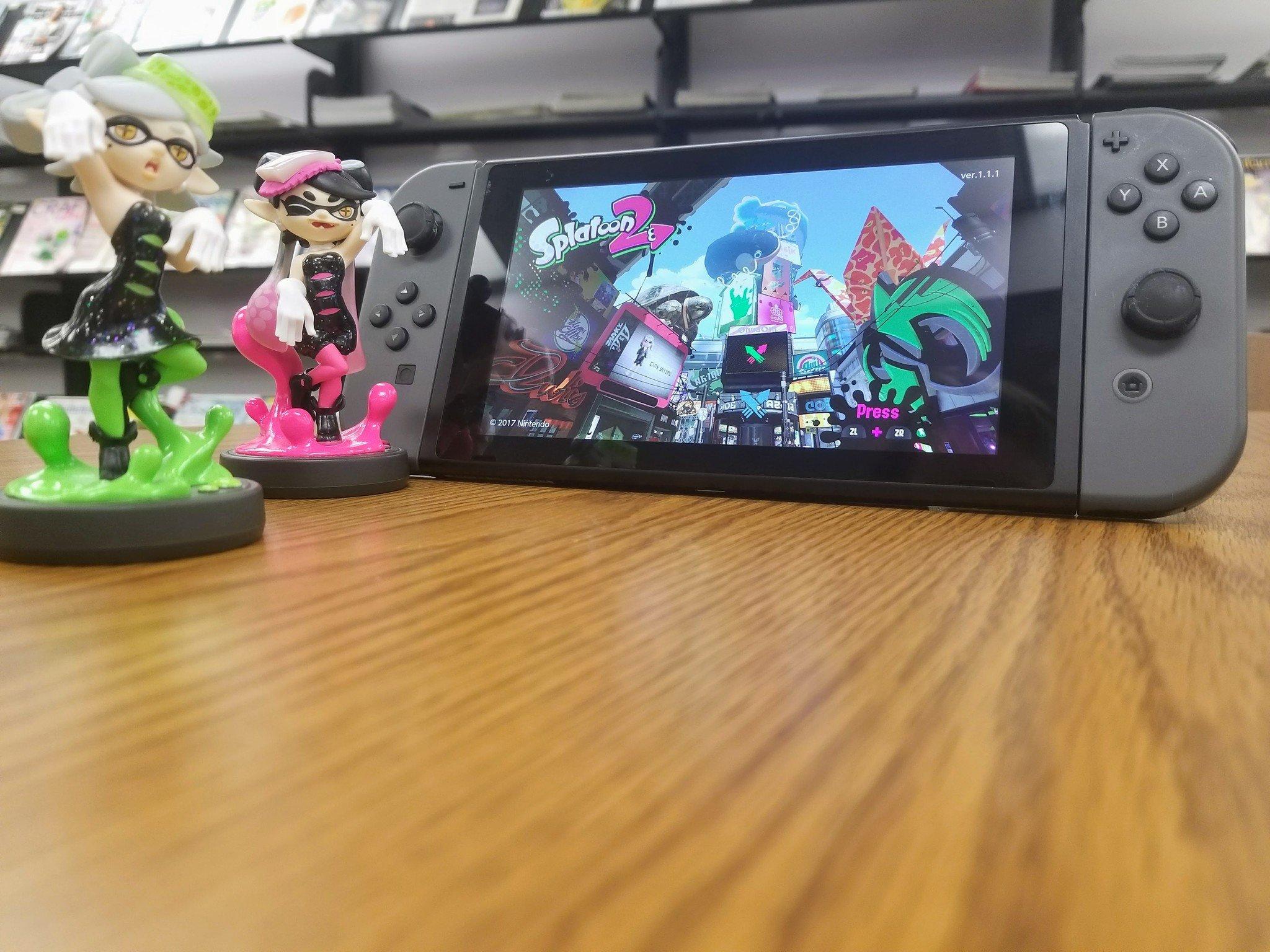Squid Girl Iphone Wallpaper Splatoon 2 Protip Get The Callie And Marie Amiibo Imore