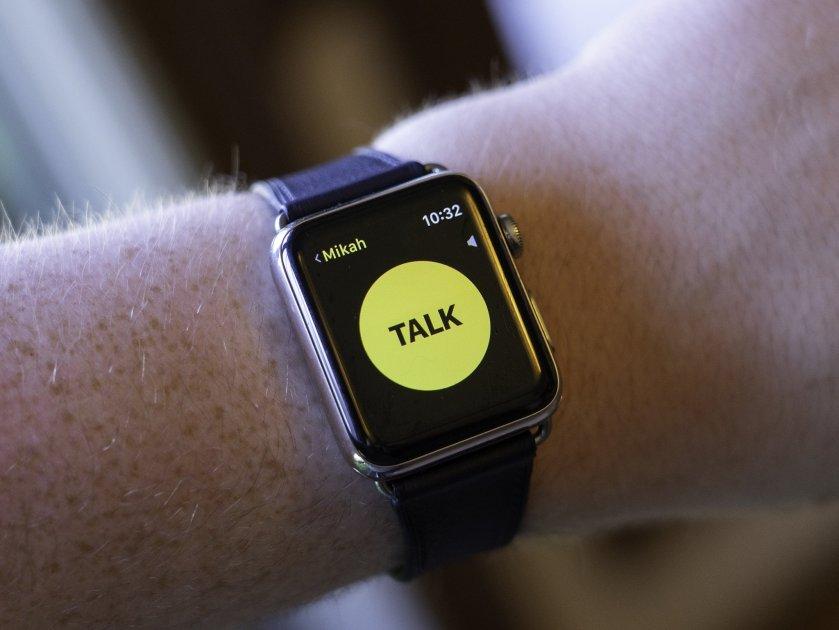 Sforum - Trang thông tin công nghệ mới nhất walkie-talkie-apple-watch-hero Tính năng Walkie-Talkie trên Apple Watch gặp lỗi bảo mật giúp nghe lén người dùng khác