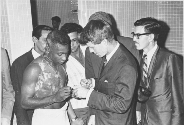 Kennedy Pelé-700-G