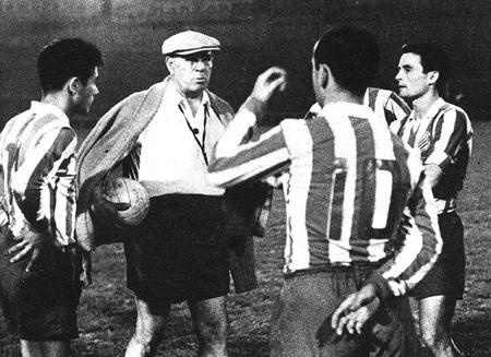 Zamora (de boina, claro) nos tempos de treinador do Espanyol.