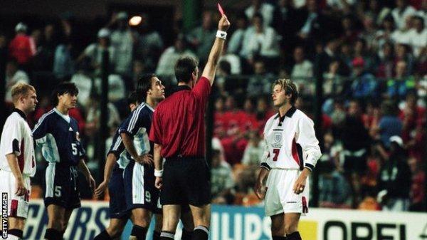 A expulsão contra a Argentina foi o pior momento de Beckham na seleção.