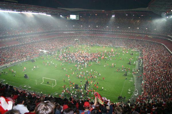 800px-Benfica_Campeão_2005_2