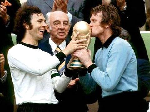 Beckenbauer e Sepp Maier: amigos e campeões do mundo.
