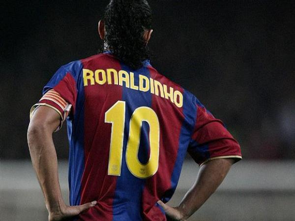 Ronaldinho: chegada do craque mudou para sempre o Barça.