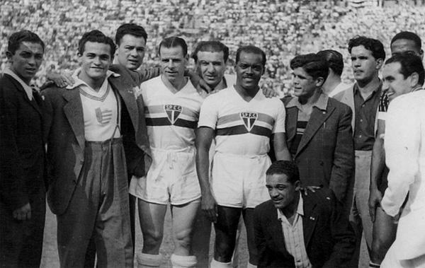 No São Paulo, Leônidas fez uma grande parceria com o argentino Sastre (à esq.).