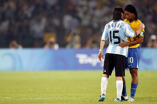 Em 2008, Messi superou Ronaldinho nas Olimpíadas.
