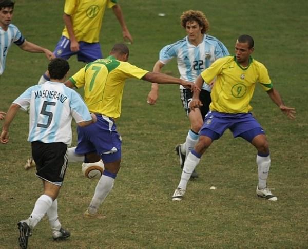 O gol de Adriano...