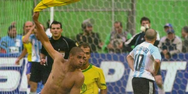 ... E a explosão: o Brasil ainda estava vivo na final.