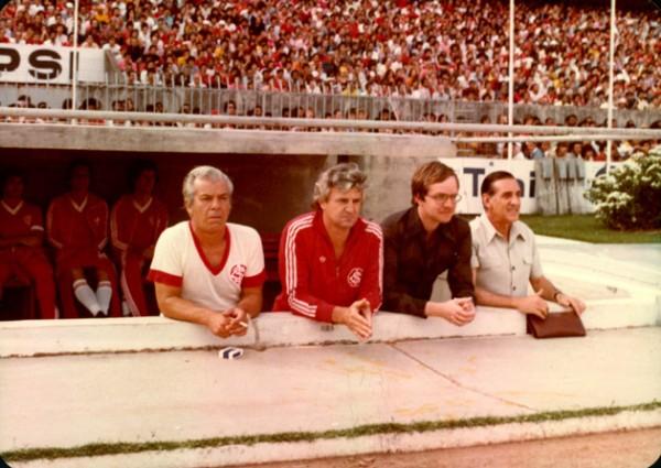 Ênio Andrade (primeiro à esquerda): técnico chegou e mudou completamente o ambiente do Inter para a disputa do Brasileirão.