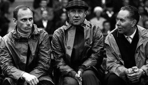 Lattek (primeiro à esq.) e Helmut Schön (no meio), seu mentor no final dos anos 60.