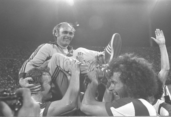 Fussball Bundesliga Deutscher Meister 1972 Bayern Muenchen-Schalke 04...