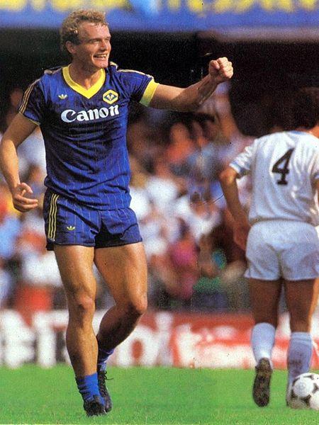 Briegel: alemão foi o dono do meio de campo do Verona e jogou tudo e mais um pouco naquela temporada de ouro.