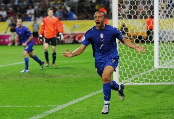 ... E comemora: Itália na final.