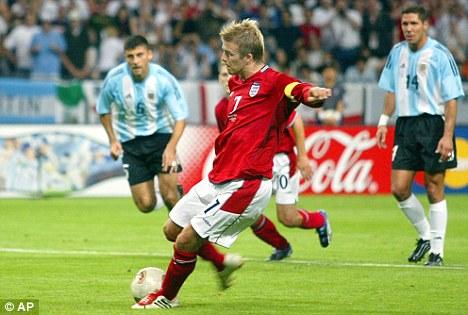 Em 2002, Beckham deu o troco na Argentina e praticamente tirou os sul-americanos da Copa.