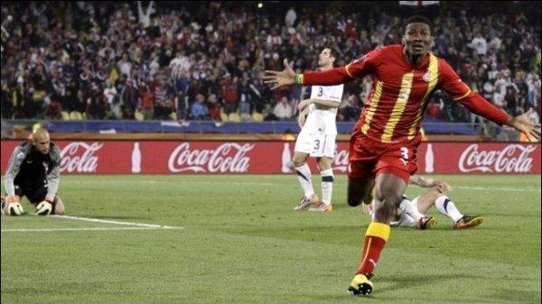 Contra os EUA, Gyan marcou o gol da classificação de Gana.