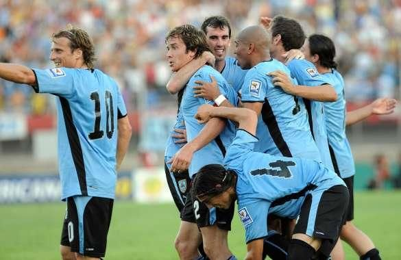 FBL-WC2010-QUALIFIERS-URU-PAR