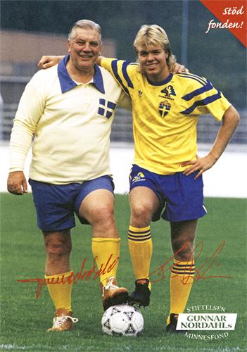 Choque de gerações: Nordahl (à esq.) e Brolin, jogador sueco que brilhou nos anos 90.