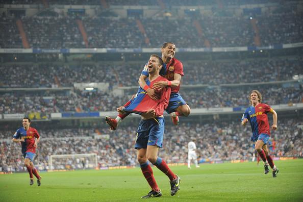 Até o zagueirão Piqué deixou sua marca no clássico.