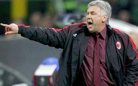 Carlo Ancelotti, técnico do Milan em mais uma era de ouro.