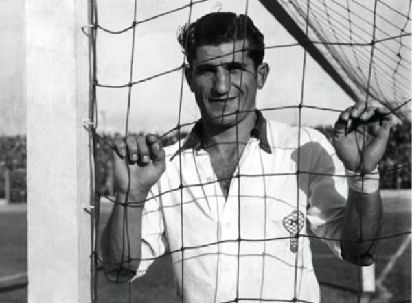 Masantonio foi um dos destaques do Sul-Americano de 1942, mas a Argentina não levou o caneco.