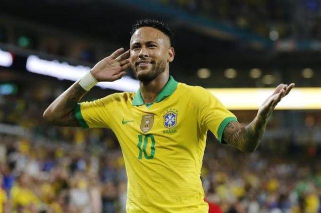 Os 100 jogos de Neymar: títulos, gols e o sonho do hexa