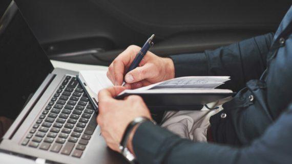 Kamu Penulis? Ini 10 Profesi Penulis Selain Jadi Penulis Buku!