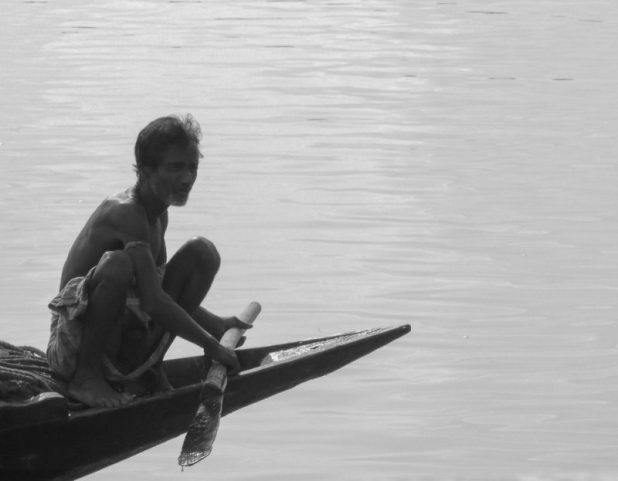 As climate change impacts reduce agricultural productivity, poverty rises in the Sundarbans [image by: Rosa Maria Vidal]