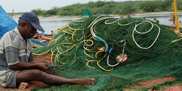 Fisherman on the Bay of Bengal (Photo: BOBLME)
