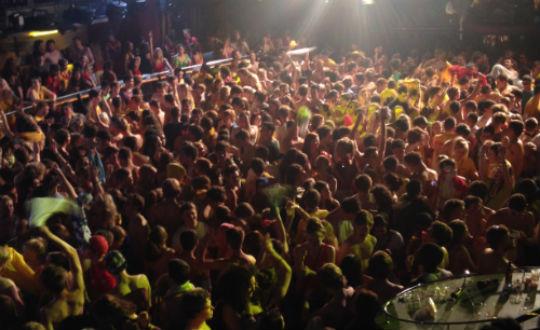 ocean crowd1