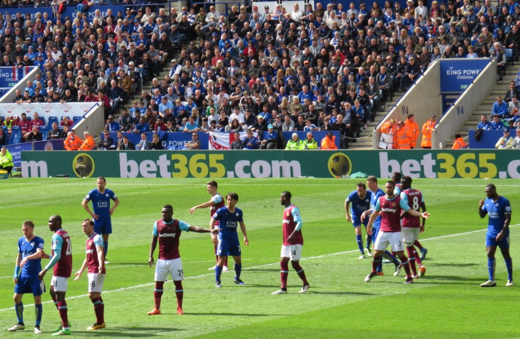 Leicester_City_v_West_Ham_United_April_2016