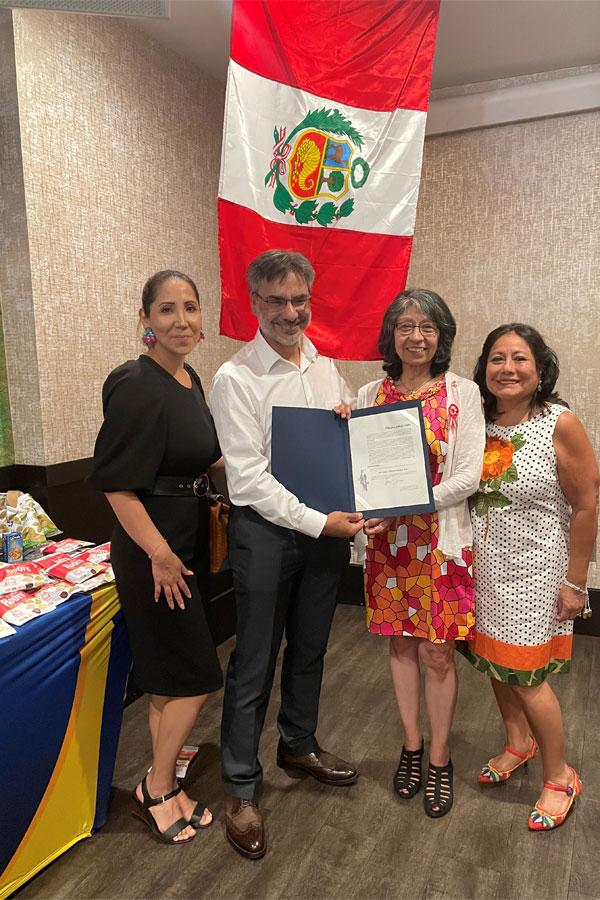La comunidad peruana celebra su bicentenario 1