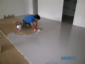 aplicació paviment auto anivellant impapol resin