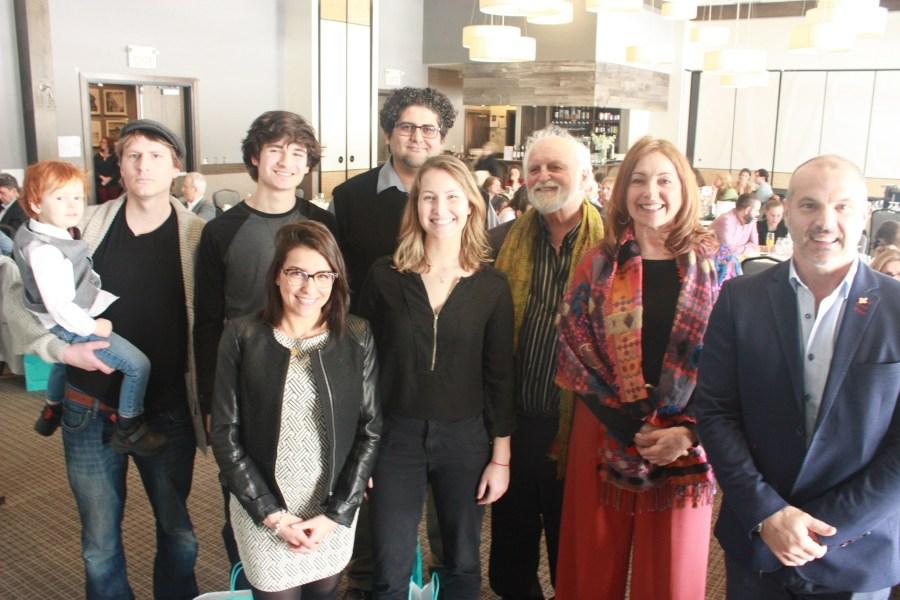 Les lauréats du Prix Concours de poésie, édition 2018-2019, accompagnés de Jean-Paul Perreault (Président d'Impératif français), Martins Gélinas (Directeur-Général de la Société St Jean Baptiste et donateur de bourse) et Héloïse Tebboune (coordinatrice du prix).