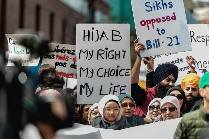 Manifestation au Québec contre la loi sur la laïcité