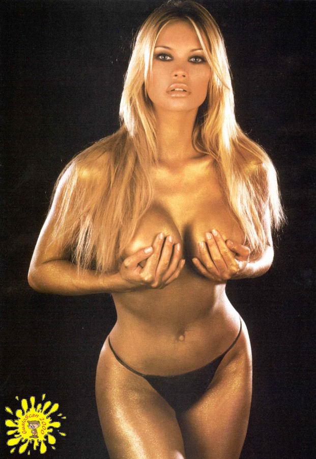 Anna Falchi  nackt