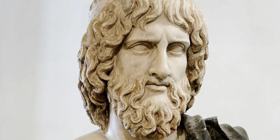 Detalle del busto de Hades.
