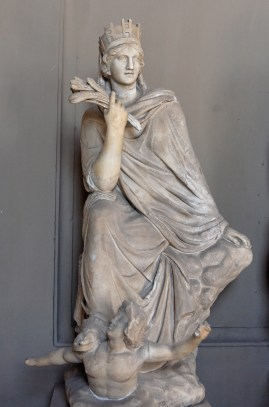 Estatua de la diosa Tique.