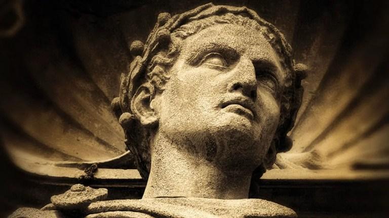 Detalle de una estatua de Julio César