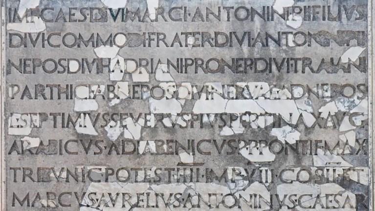 Cómo los romanos escribían y abreviaban sus nombres y la filiación
