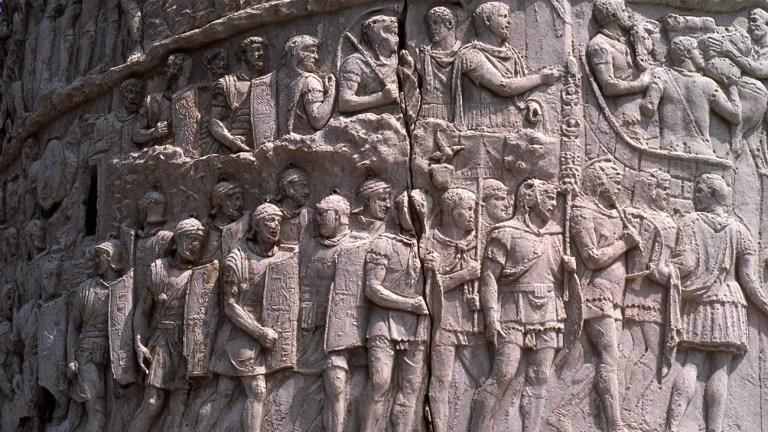 Relieve de una legión romana en la columna de Trajano.