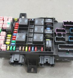 04 expedition navigator interior fuse relay box block center 4l7t 14a067 ae ac [ 1600 x 1200 Pixel ]