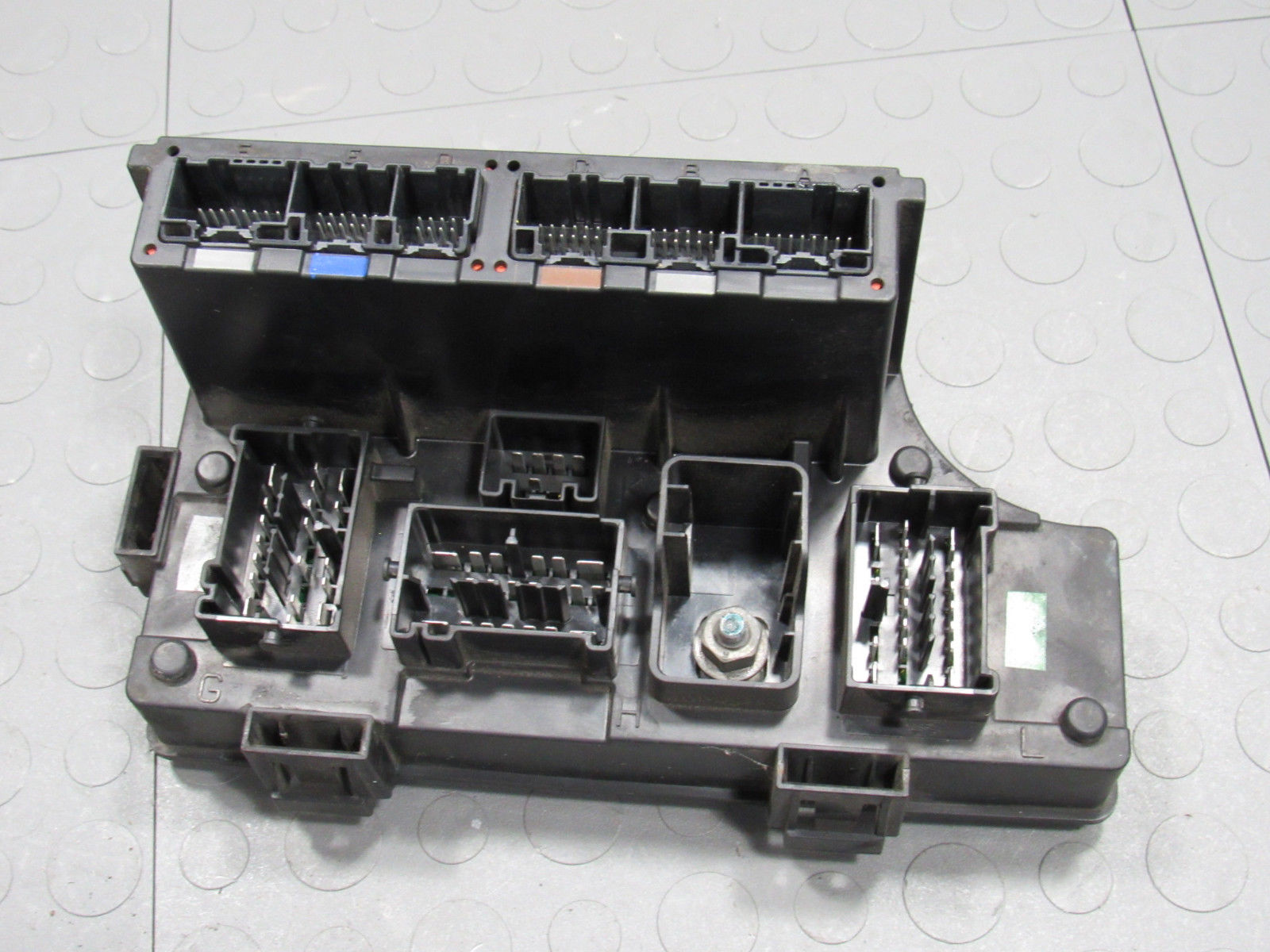 hight resolution of 06 10 pt cruiser tipm bcm totally integrated power module fuse box car fuse box replacement